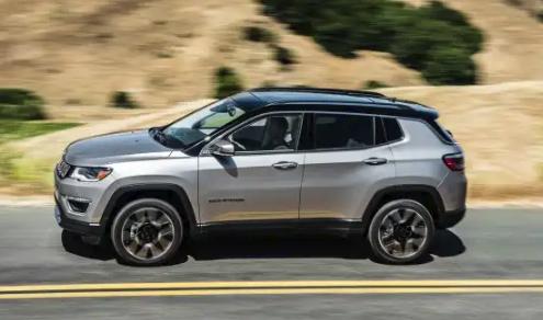 2019 Jeep COMPASS LATITUDE AWD